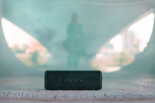 výkonný přenosný Bluetooth reproduktor lamax sentinel2 výkon 20 w 5.0 bezdrátová verze Bluetooth 3600mah baterie výdrž až 24 h tws funkce 3,5mm aux usb-c nabíjení microSD slot kvalitní měniče zvuk bez zkreslení