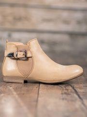 Moderní dámské hnědé kotníčkové boty na plochém podpatku