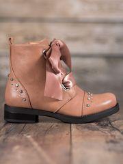 BESTELLE Kotníkové boty vázané stužkou