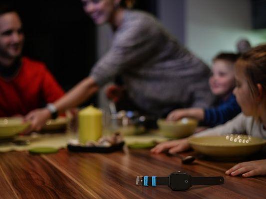 Inteligentné hodinky pre deti LAMAX WatchY2 GPS WiFi LBS lokalizácia sledovanie polohy v reálnom čase história pohybu bezpečnostné zóny
