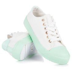 Biele tenisky so zelenou podrážkou
