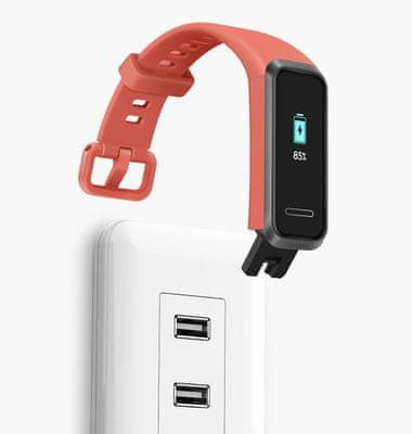 Fitness náramok Huawei Band 4, vstavaný konektor USB, pohodlné nabíjanie, dlhá výdrž