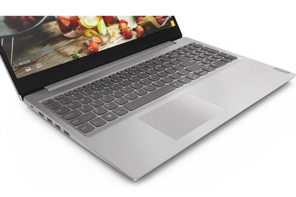 štýlový moderný notebook Lenovo IdeaPad s145-15API touchpad web kamera 15.6 displej full hd amd ryzen procesor elegantný dizajn numerická klávesnica čítačka kariet dolby audio zvuk