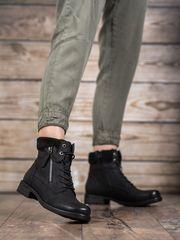 Krásné dámské kotníčkové boty černé na plochém podpatku