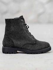 Pohodlné dámské černé kotníčkové boty na plochém podpatku