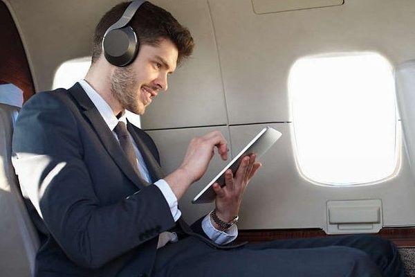 philips taph805 anc vezeték nélküli Bluetooth fejhallgató 40mm hangszórók fülpárna mikrofon hangvezérlés google assistant akár 25 óra üzemidő egy töltéssel gyorstöltés