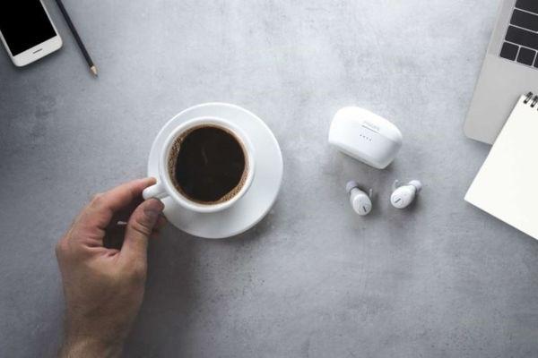 philips shb2505 true wireless fülhallgató kampók a fülre rögzítéshez Bluetooth 5.0 verzió vezeték nélküli 5 óra üzemidő töltő tok 20 óra további üzemidőre handsfree mikrofon multi-műfaj hallgatás