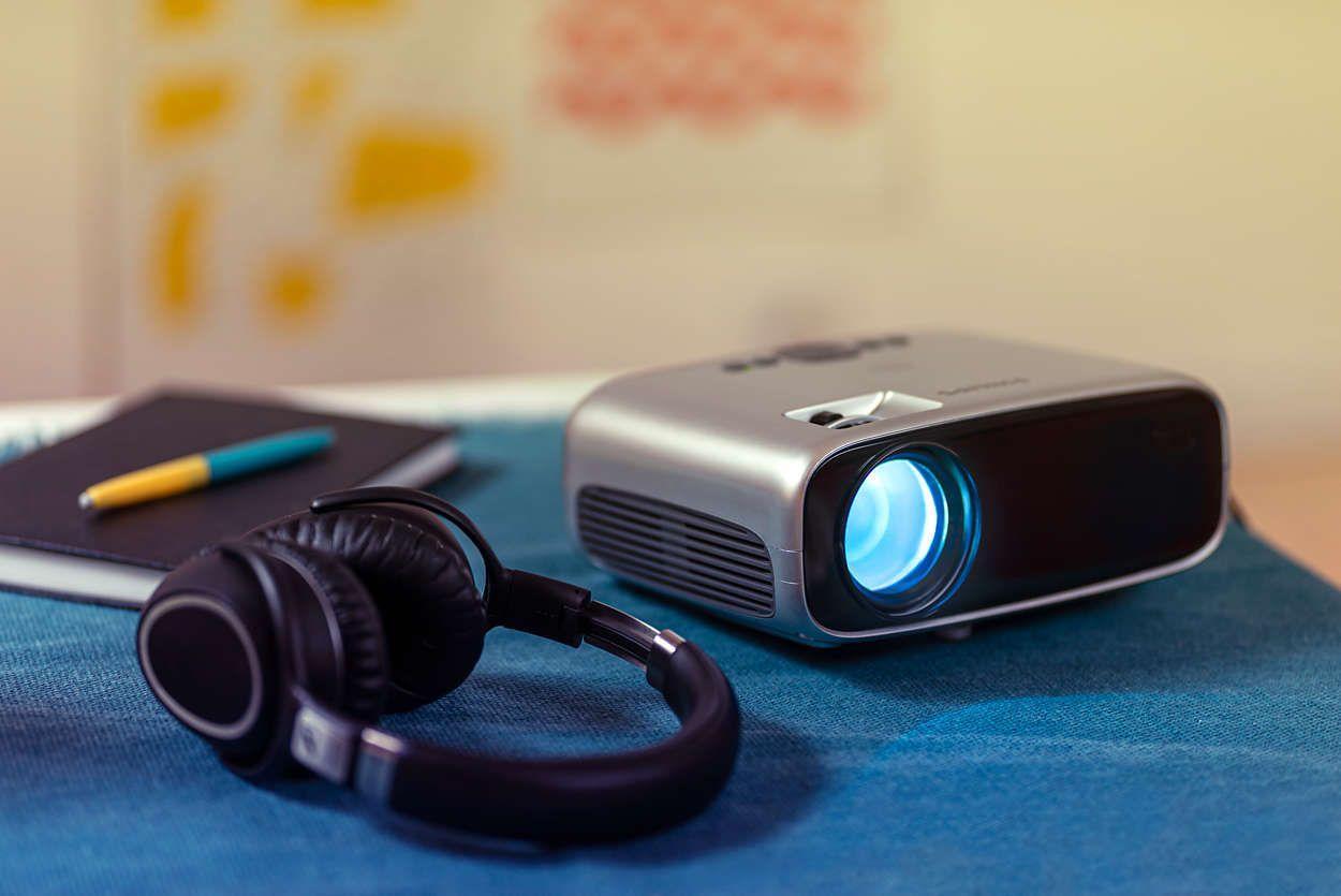 Projektor Philips NeoPix Easy (NPX440) Full HD 2 600 lm výdrž LED