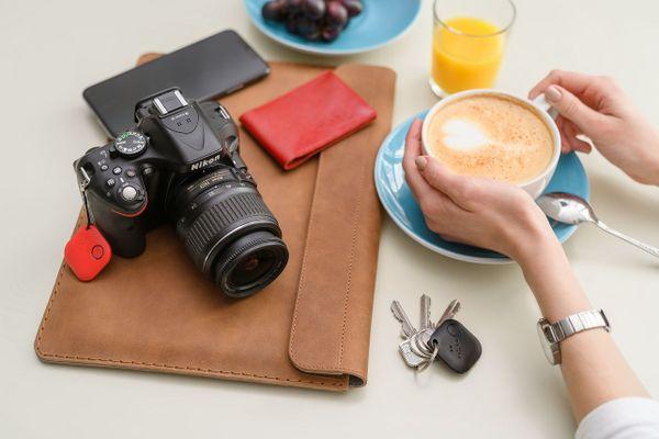 Bluetooth čip na klíče nebo peněženku, smart tracker Smile, pohybový senzor, alarm, najít telefon