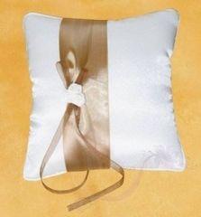 Paris Dekorace Polštářek na prstýnky se zlatou stuhou a šampáňo kvítky
