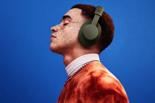 Przenośne bezprzewodowe słuchawki Bluetooth Urbanears Pampas z dodatkowym dźwiękiem dla wymagających, doskonałym uszczelnieniem przetworników i trybem głośnomówiącym