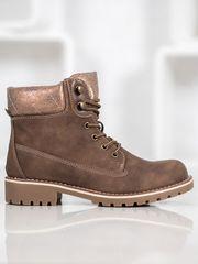 Krásné hnědé dámské kotníčkové boty na plochém podpatku
