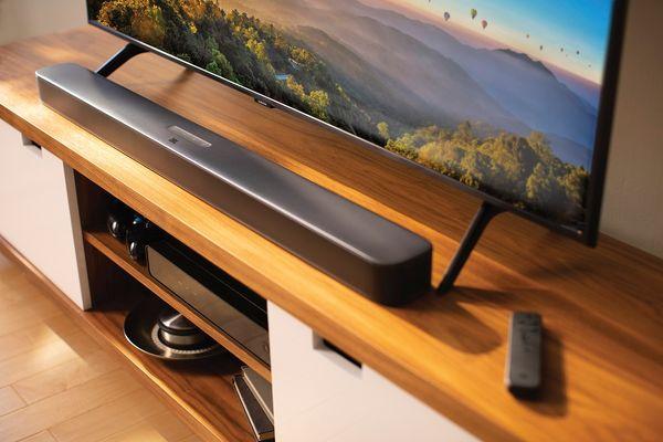 jbl soundbar bar 2.1 deep bass 300 w Bluetooth bezdrátová technologie 4.2 hdmi video výstup optický vstup usb pro servis nízkoprofilový design subwoofer v sadě dolby digital jbl surround sound