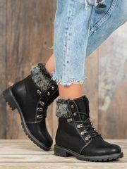 Pohodlné dámské kotníčkové boty černé na plochém podpatku