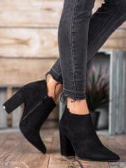 Jedinečné kotníčkové boty dámské černé na širokém podpatku