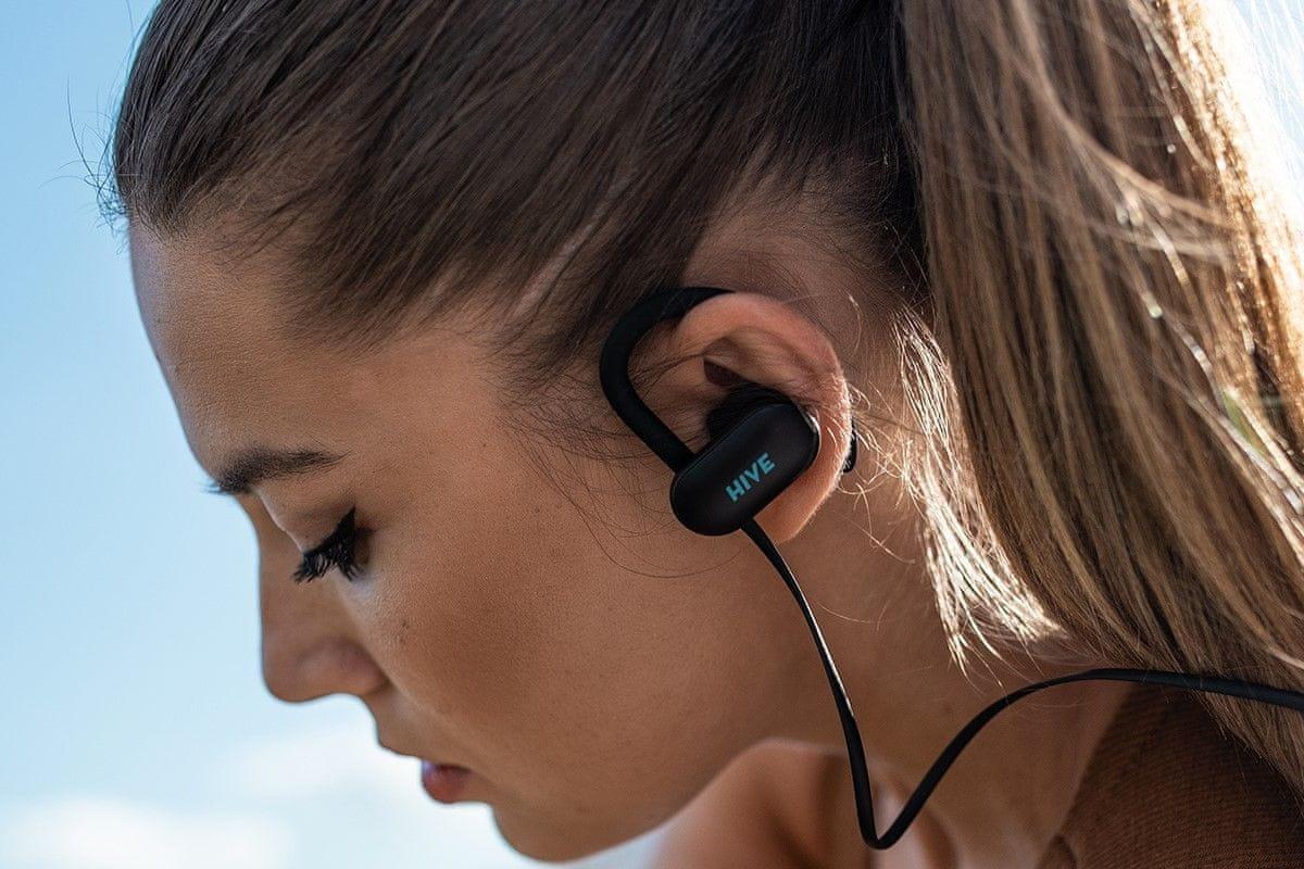 niceboy prenosné slúchadlá hive šport 2 bluetooth 5.0 maxxbass zvuk výdrž 16 h na nabitie odolnosť vode IPX5 krytie kodek aac sbc ergonomické klipy za uši spárovanie s 2 zariadenia siri google now handsfree mikrofón moderný dizajn štupľové ľahké kábel za krk
