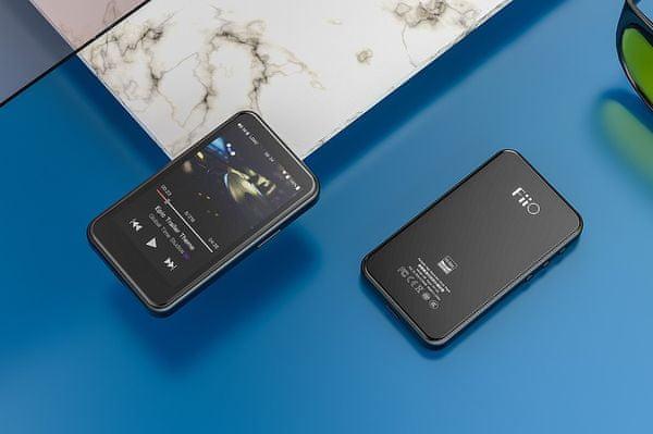 výkonný mp3 přehrávač fiio m6 procesor samsung exynos 768 mb ram 4 gb vnitřní paměť usb dac funkcionalita dlna airplay fiiolink 3,5mm výstup usb-c line-out přizpůsobený operační systém 3,2palcový displej LG IPS stylové tělo