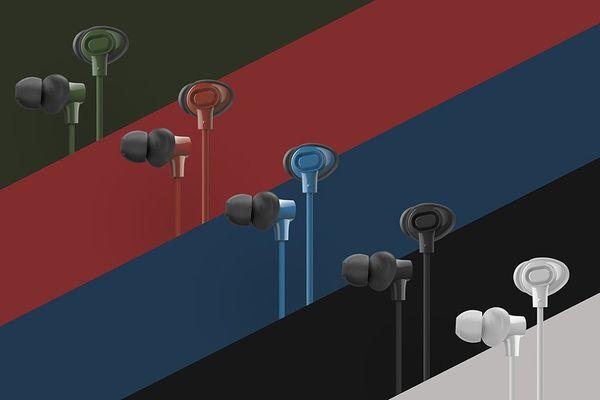 moderní sporty street style sluchátka špunty panasonic rp-nj310b Bluetooth 4.2 10m dosah signálu hlasoví asistenti siri vestavěný mikrofon pro handsfree 6h výdrž 2h nabíjení ergonomické tvarování double hold hmotnost jen 14 g jasný zvuk silné extra basy