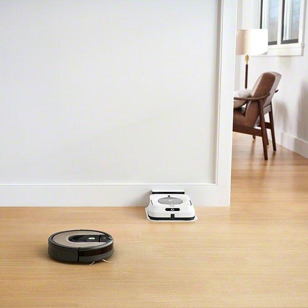 iRobot Roomba 976 automatické nabíjanie v nabíjacej stanici