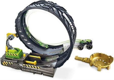Hot Wheels igra Monster Trucks, velik dirkalni komplet