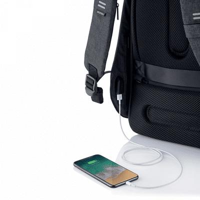 XD Design nahrbtnik Bobby Hero Regular, črn (P705.291) skriti žepi varnostni žepi RFID vgrajen polnilni kabel