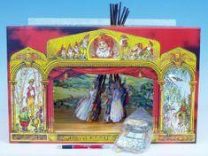Rappa Divadlo Stilet rozprávkové bábkové papierové 11ks postavičiek v krabici 52x32x6cm