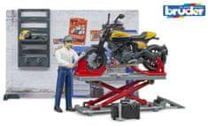 BRUDER 62102 BWORLD Motodílna s figurkou mechanika a motorkou