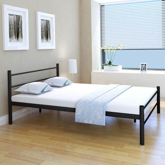 Posteľ s matracom, čierna, kov 140x200 cm