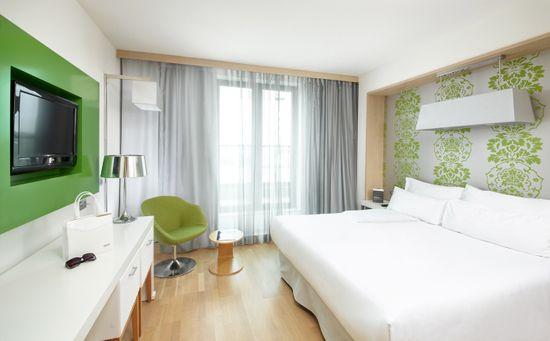 Barceló Hotel Group 1 noc v hotelu Occidental Praha Five**** pro 2 osoby s volným vstupem do nového fitness centra a sauny