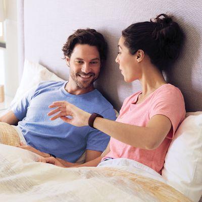Fitness náramok Fitbit Charge 4, multisport, fitness režimy, monitorovanie spánku, spánkové fázy, stres, antistresové dychové cvičenia, bezkontaktné platby, vodotesný, výdrž 7 dní