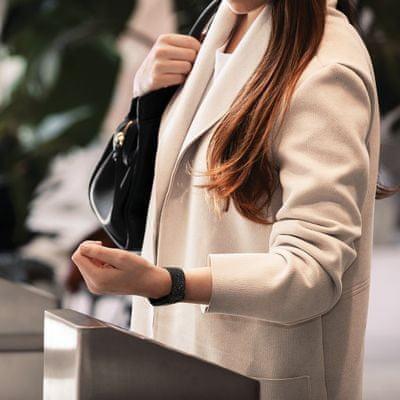 Fitness narukvica Fitbit Charge 4, multisport, fitness načini, praćenje spavanja, faze spavanja, stres, vježbe disanja protiv stresa, beskontaktno plaćanje, vodootporno, izdržljivost 7 dana