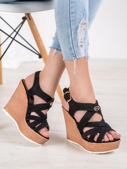 Zajímavé dámské sandály černé na klínku, černé, 37