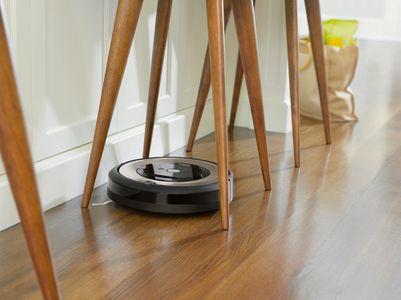 iRobot Roomba e6 senzory proti pádu ze schodů