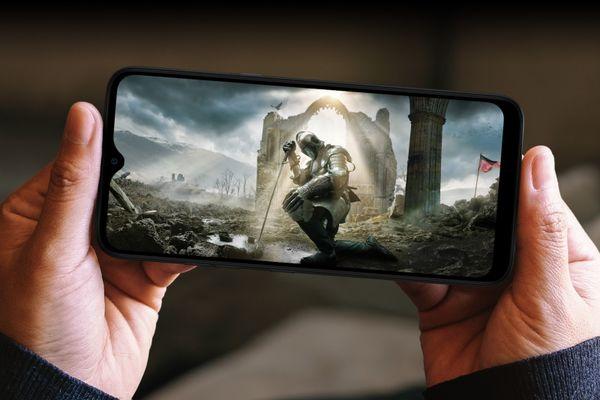 mobilní telefon lg k41s 4 fotoaparáty 13 mpx 5 mpx 2 mpx 2 mpx 8mpx přední fotoaparát operační systém android 9 pie baterie s kapacitou 4000 mah mediatek procesor 32 gb vnitřní paměť 3 gb ram ips displej dotykový nfc Bluetooth 5.0 duální wifi čtečka otisku prstů