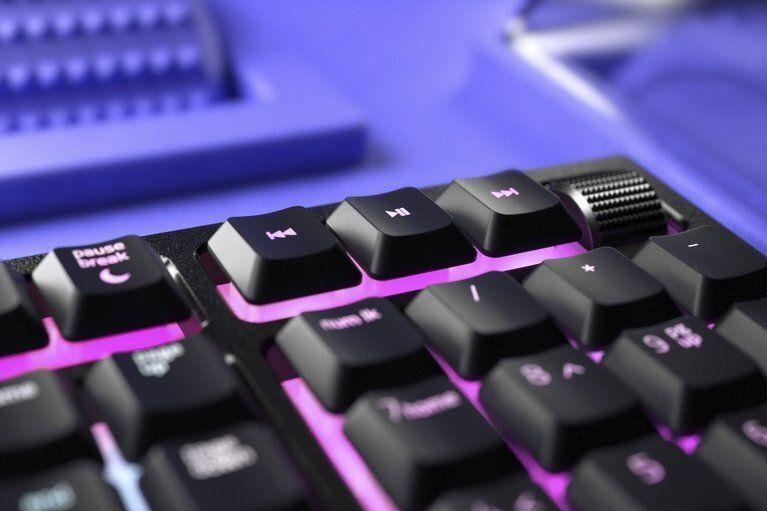 Herní klávesnice Razer Ornata V2, US (RZ03-03380100-R3M1) podsvícení RGB