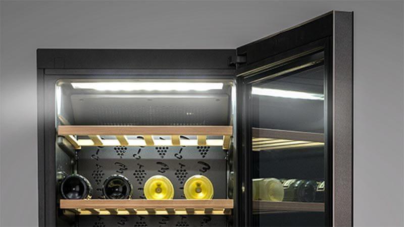 Vinotéka Haier WS50GA LED osvětlení