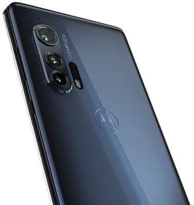 Motorola Edge+, čtyřnásobný fotoaparát, ultraširokoúhlý, teleobjektiv, hloubkový snímač TOF 3D, rozšířená realita, bokeh efekt, optická stabilizace obrazu, video 6K