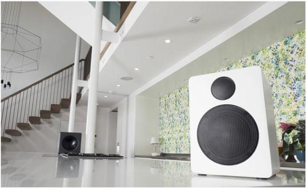 Eleganckie głośniki Bluetooth 2.1, zasięg 10 m połączenie również przewodem audio, energooszczędny tryb czuwania, pilot zdalnego sterowania, regulacja głośności, wejście basowe bass reflex