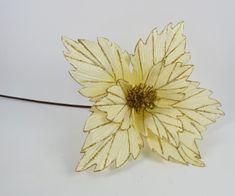 DUE ESSE Vianočná textilná hviezda, zlaté žilky, 73 cm