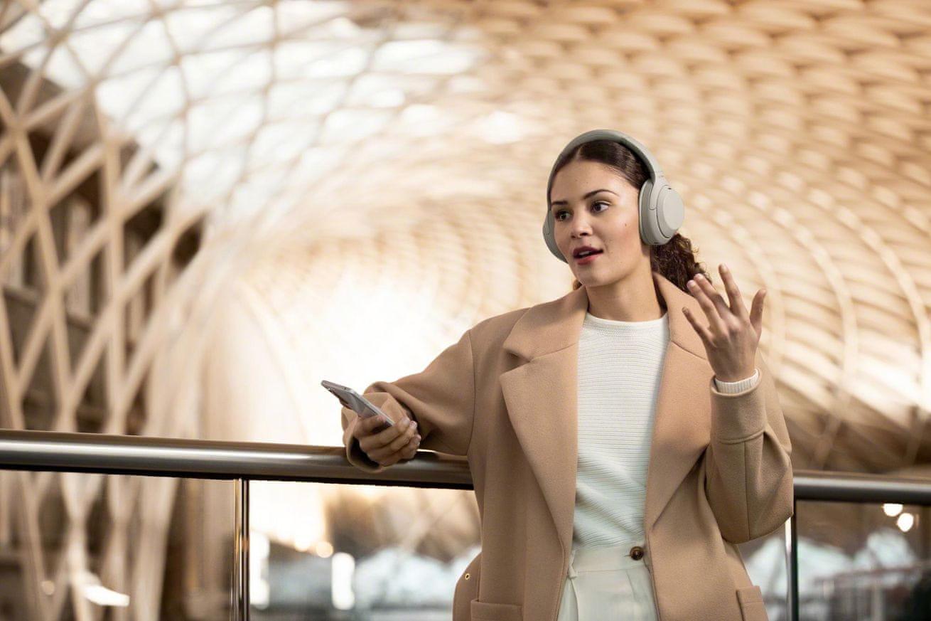 Słuchawki Sony WH-1000XM4, model 2020 regulacja głośności mikrofon zestaw głośnomówiący odłączany kabel audio bluetooth jack 3,5 mm