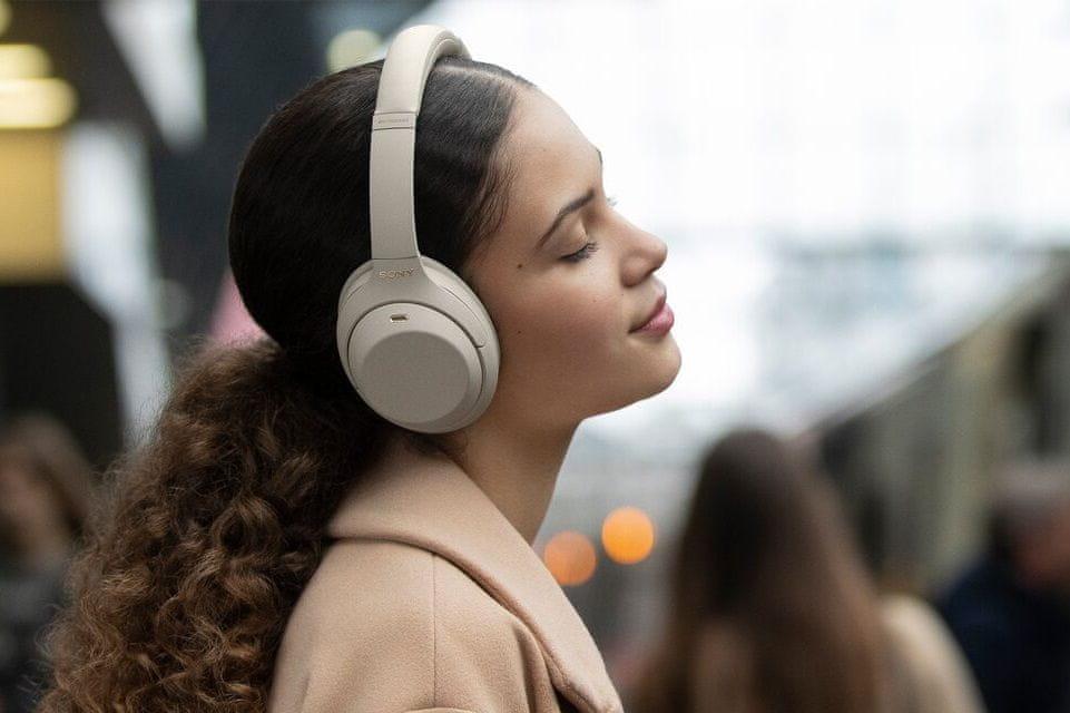 Słuchawki Sony WH-1000XM4, model 2020 z silnym basem w zakresie stosunku sygnału do szumu