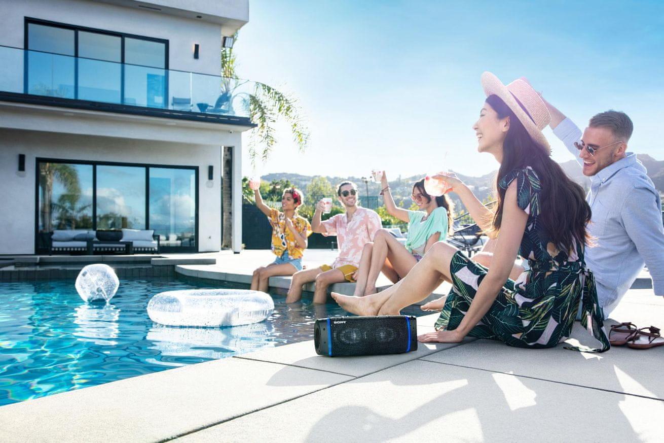 Brezžični bluetooth zvočnik Sony SRS-XB33 ima dodatno zmogljivo basovsko glasbeno aplikacijo za glasbeni center