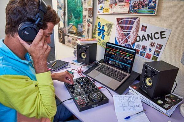 mixážní pult hercules dj control inpulse reproduktory hercules djmonitor 32 aktivní 15 w výkon designová sluchátka hdp dj45 se zvukovou izolací kabelová v sadě hercules djlearning kit 4780900