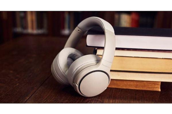 bezdrátová přenosná Bluetooth 5.0 sluchátka panasonic rb-m300be čistý zvuk silné basy 40mm výkonné měniče výdrž 50 h měkké náušníky konstrukce s robustními mušlemi