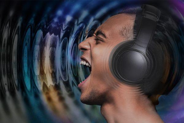 brezžične prenosne slušalke Bluetooth 5.0 Panasonic RB-M700BE Čisti zvok Močan bas 40 mm Zmogljiv pretvornik vzdržljivosti 20-urne mehke slušalke Dizajn z robustnimi školjkami