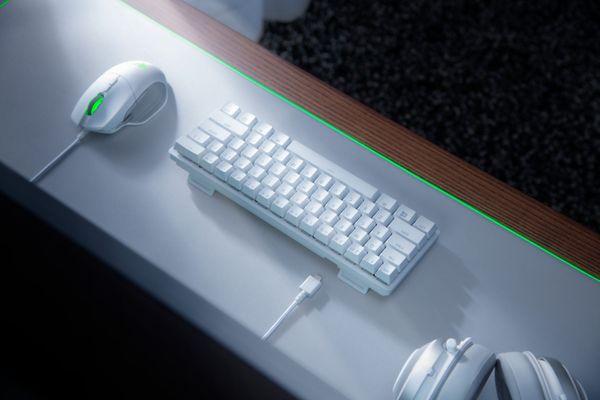 Herní klávesnice Razer Huntsman Mini Mercury Ed., Razer Optical Red, US (RZ03-03390400-R3M1) podsvícení RGB razer optical red