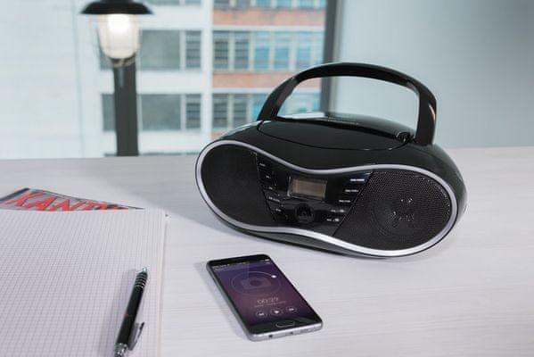 stylový radiomagnetofon gogen cdm 388 subt Bluetooth fm digitální tuner 20 předvoleb usb vstup line in sluchátkový výstup skvělý zvuk cd mechanika slot pro paměťové karty lcd displej s modrým podsvícením dva reproduktory o výkonu 2 w madlo pro snadné přenášení