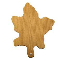 AMADEA Dřevěné prkénko ve tvaru javorového listu, masivní dřevo, rozměr 25x19,5 cm