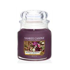 Yankee Candle Aromatická svíčka Classic střední Moonlit Blossoms 411 g