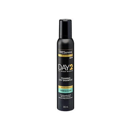 TRESemmé Suhi šampon Day 2 Fresh & Clean 200 ml
